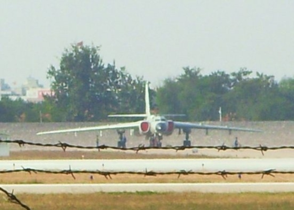 Three new images of the new chinese h 6k strategic bomber which has